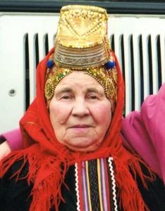 Манечкина Ольга Ивановна — художественный руководитель Подсерединского фольклорного ансамбля