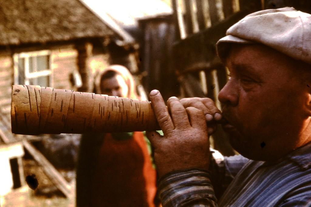 Столипино пастух на свирели крупно